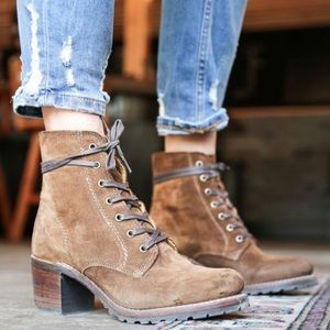 Frye Sabrina Wood Brown Suede Lace Up Boots Womens